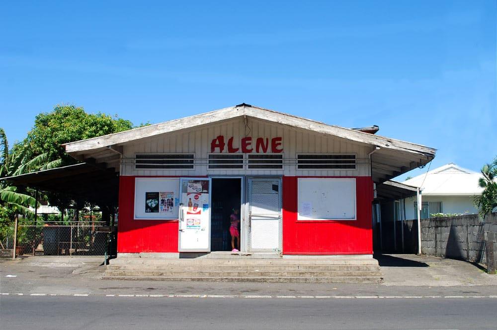 Ancienne façade du magasin Alène de Pirae - 2005