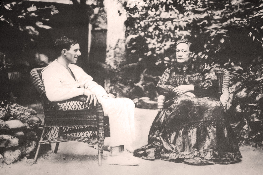 La reine Marau avec Alain Gerbault à Papara