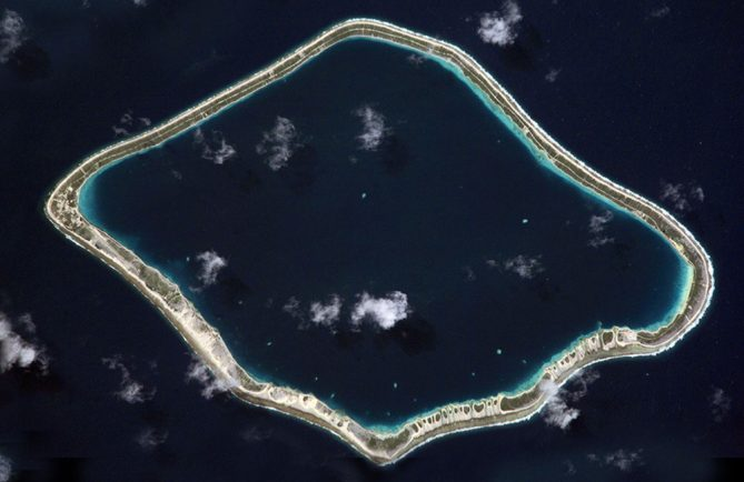 Atoll de Tureia, Tuamotu. Photo NASA