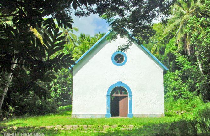 Eglise Saint-Raphael de l'île de Aukena, Gambier 2004 © Tahiti Heritage