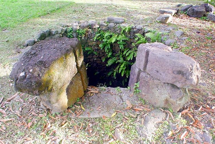 Le puits du Couvent de Rouru, à Mangareva