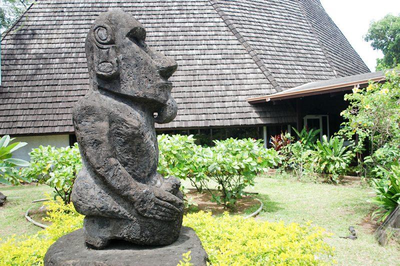 Moai de la paix de l'office du tourisme de Papeete