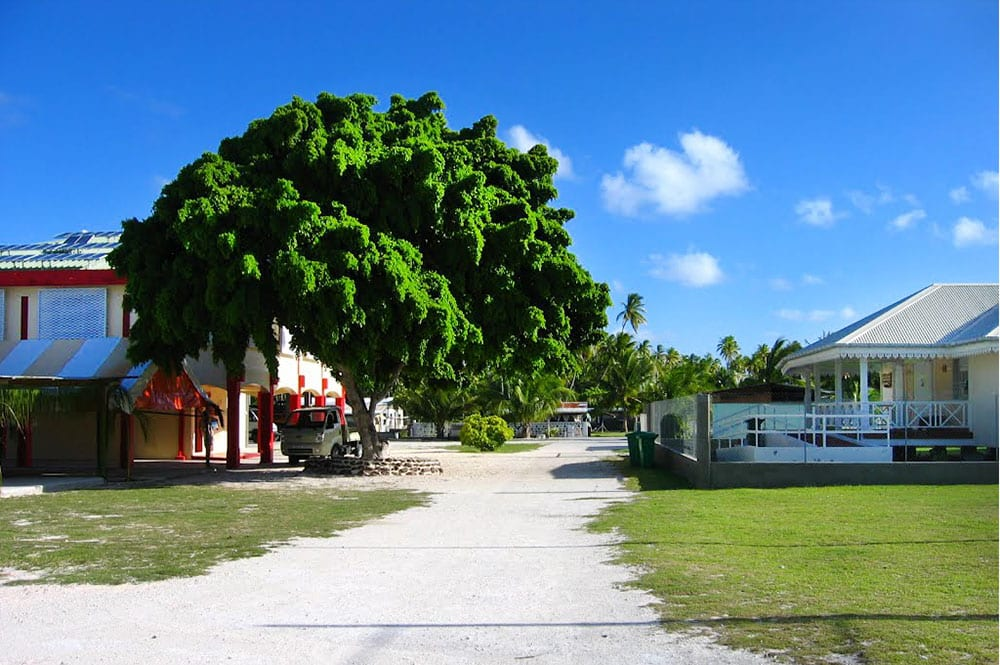 Abri anti cyclonique et Mairie de Puka Puka