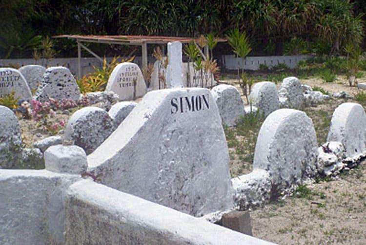 Tombe de Simon Lenoir à Rimatara.