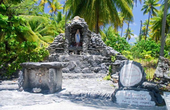 Grotte de la Sainte-Vierge à Takume © Tahiti Heritage