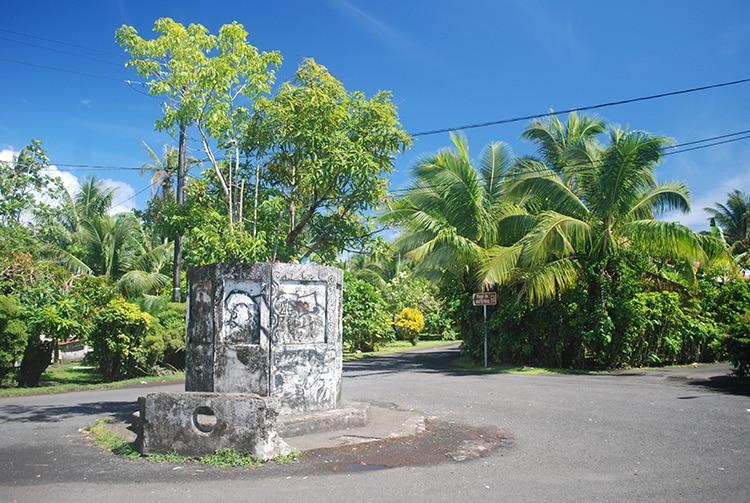 Socle de la statue inachevée de Tautira © Tahiti Heritage