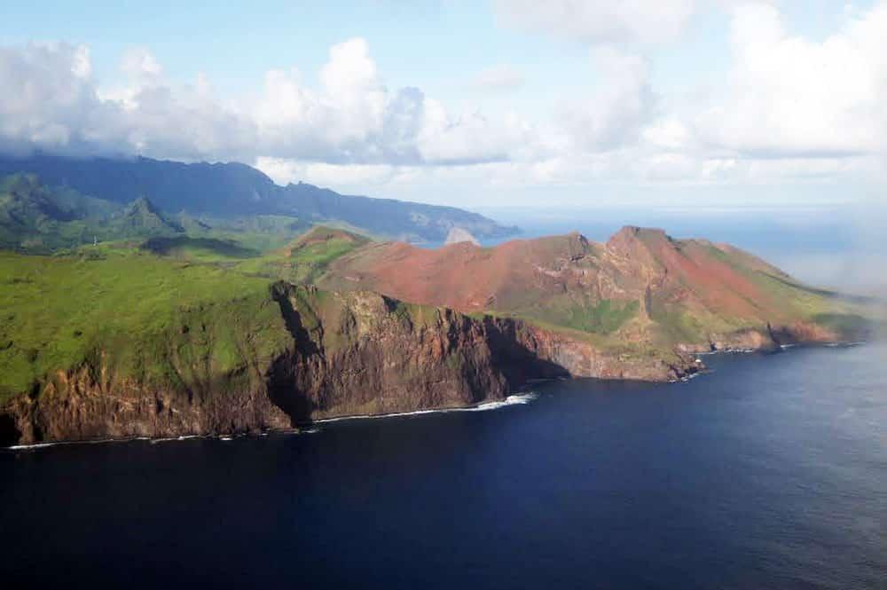 Cote Sud Ouest de l'île de Ua huka. Photo Vuillermoz