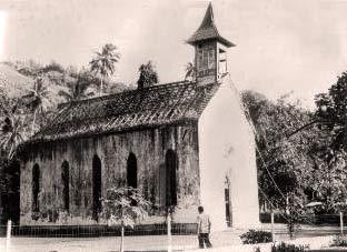 Eglise Saint-Pierre de Faaone après le passage du cyclone Veena en 1983