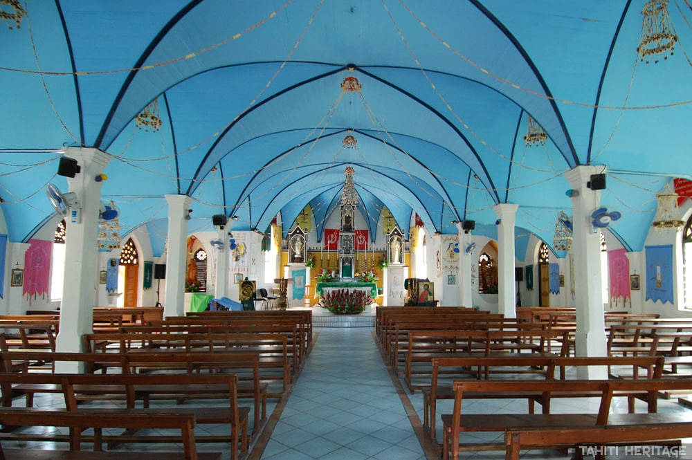 Intérieur de l'église Jean de la Croix de Fakarava. © Tahiti Heritage
