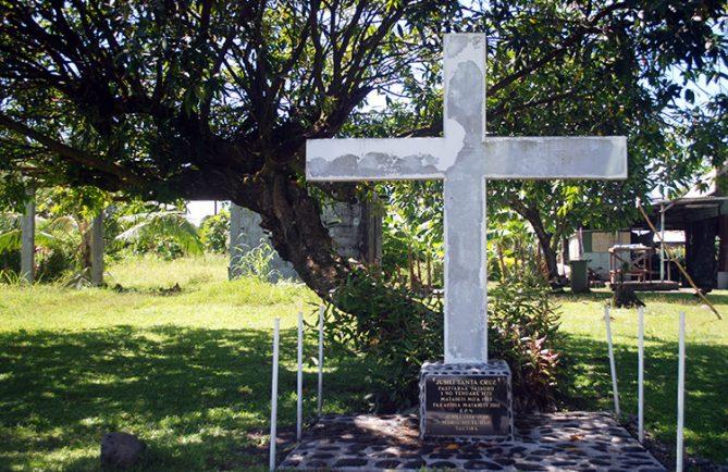 Croix des espagnols à Tautira ©Tahiti Heritage