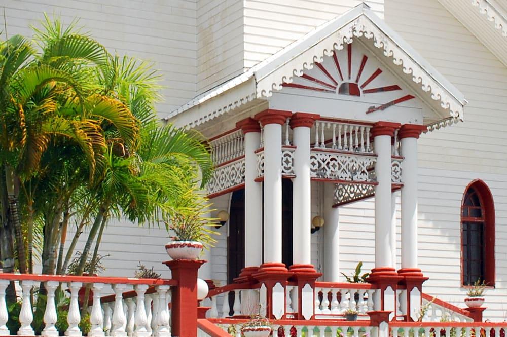 Porche du temple de Pueu, Taiarapu Est
