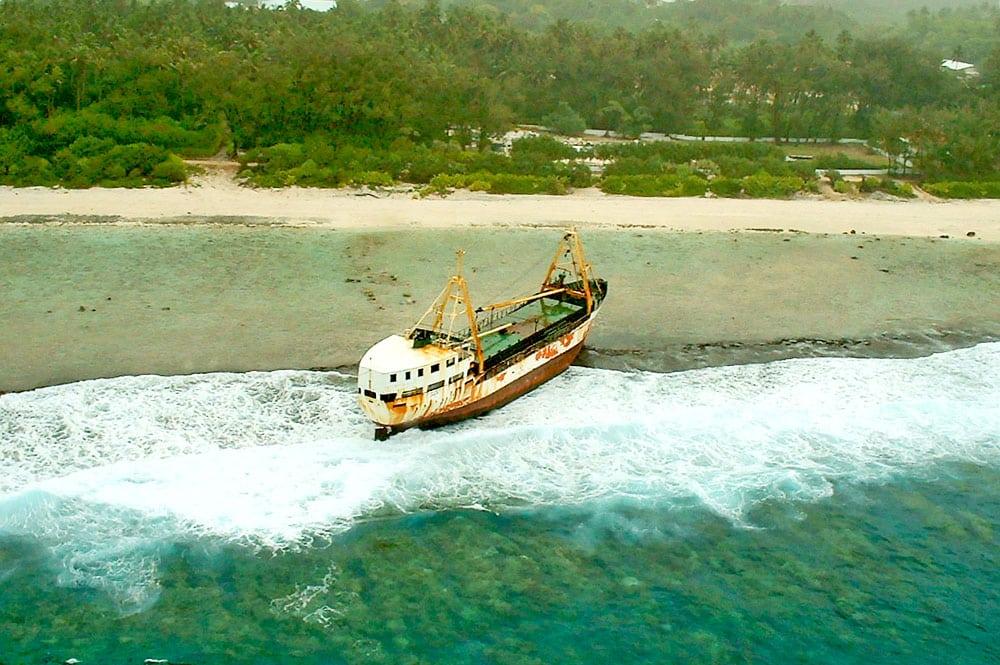 Epave du navire Vaeanu II à Rimatara