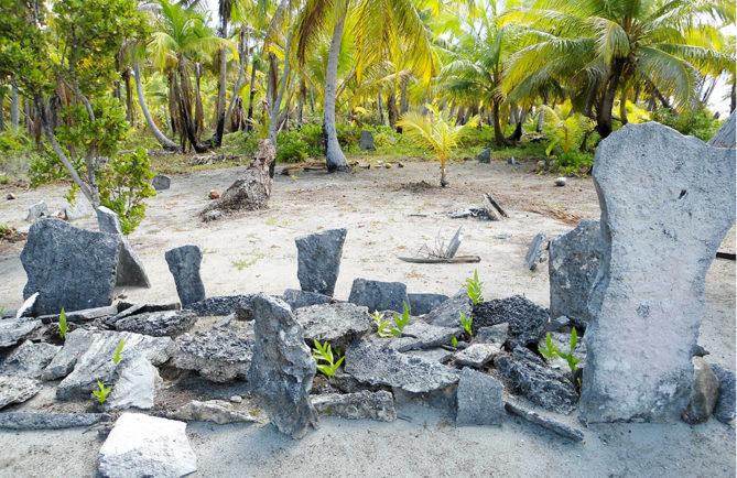 Marae Hivaroa de Niau Tuamotu. Photo Diren / Paul Niva