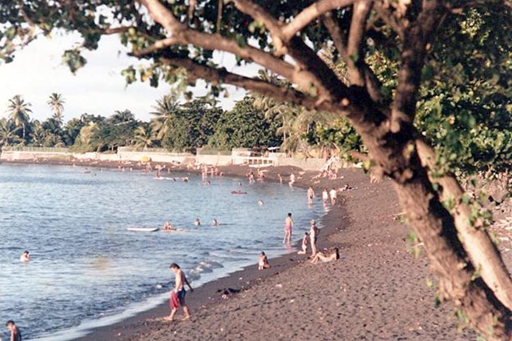 La plage du Taaone à Pirae en 1965