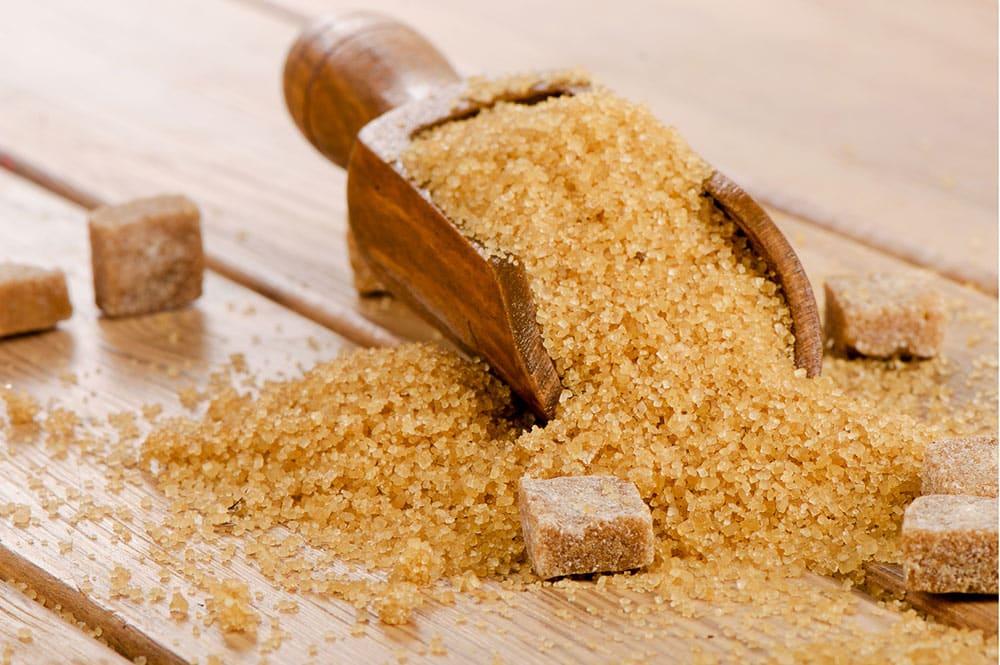 Cassonade, sucre roux de canne à sucre. Photo Naturalys