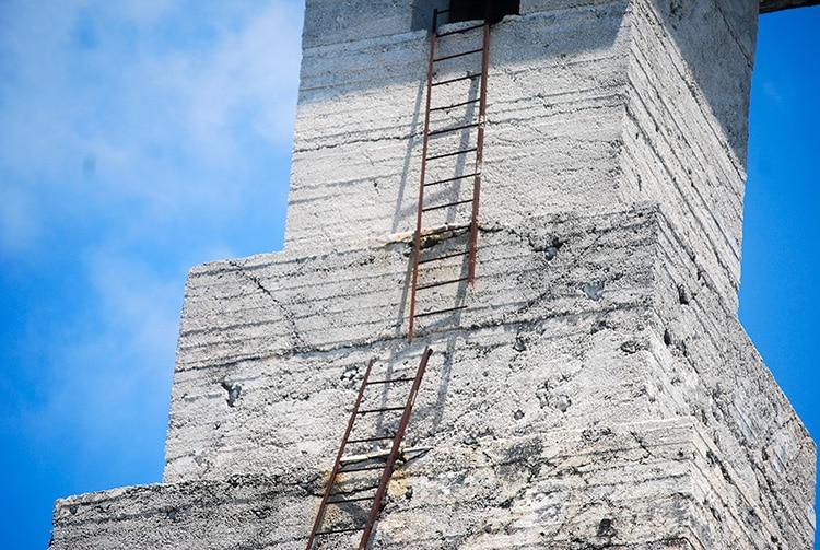 Echelle du vieux phare de Topaka à Fakarava.