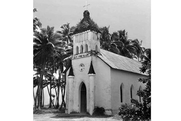 Intérieur de l'ancienne église de Hitiaa
