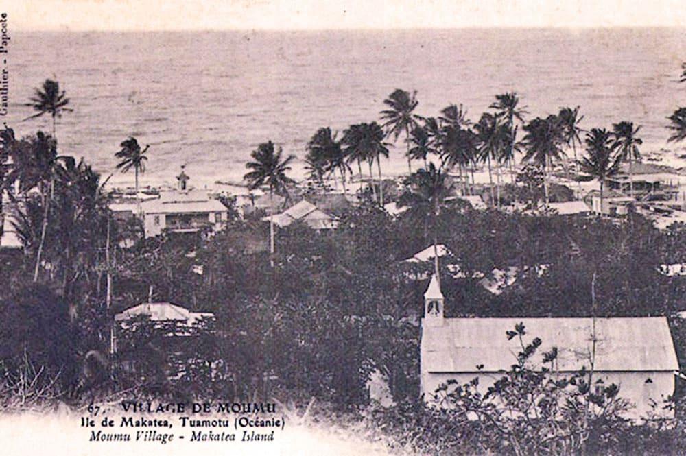 Village de Moumu, vue du haut de la falaise, Makatea. Photo Lucien Gauthier