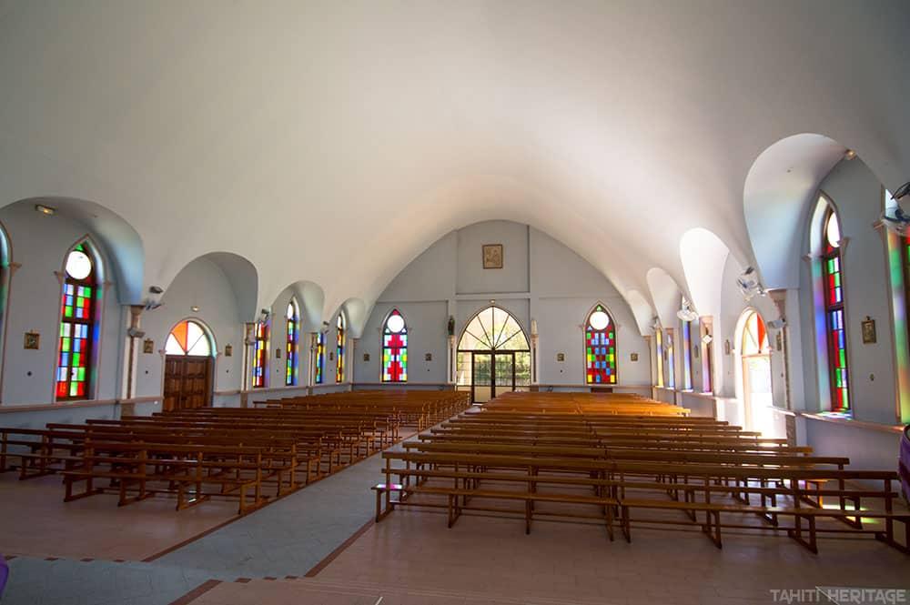 Intérieur de l'église de Papeari en 2015 © Tahiti Heritage