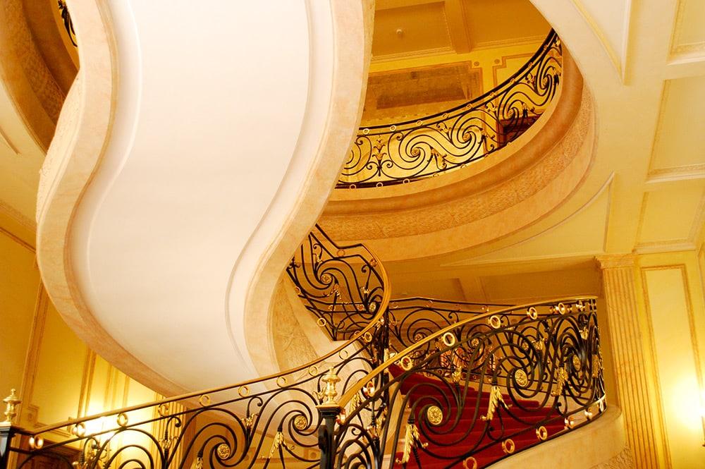 Escalier de la Présidence du Gouvernement à Papeete © Tahiti Heritage