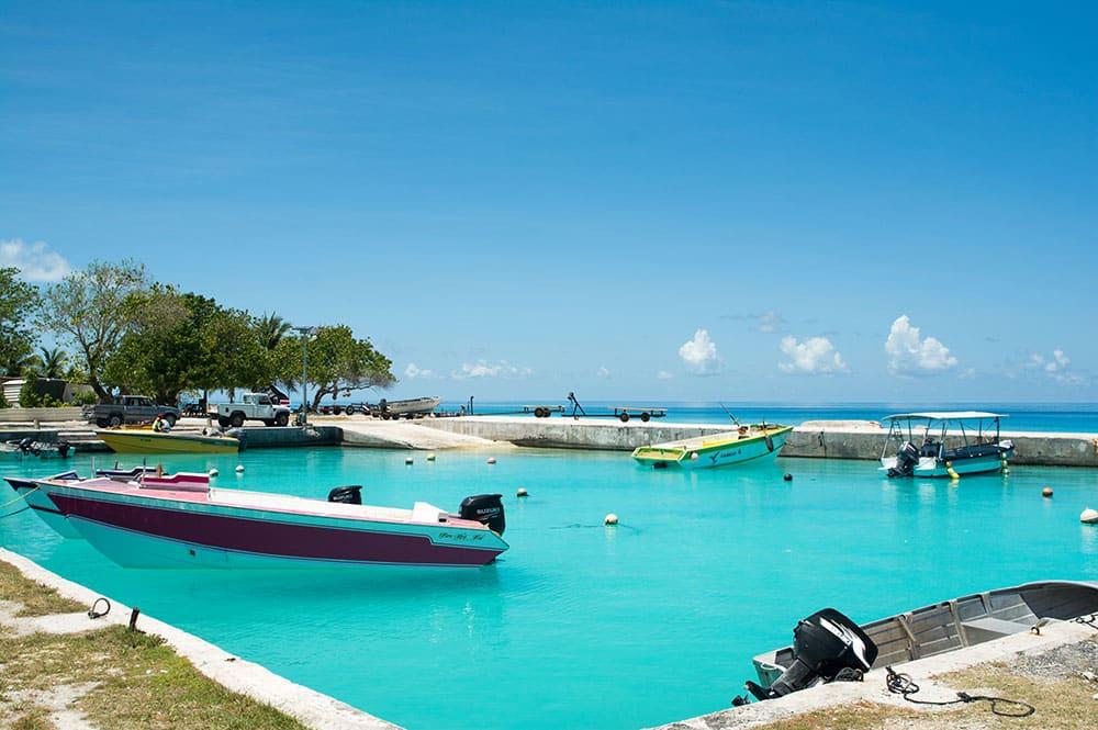 Port du village de Tiputa à Rangiroa en 2016 © Tahiti Heritage