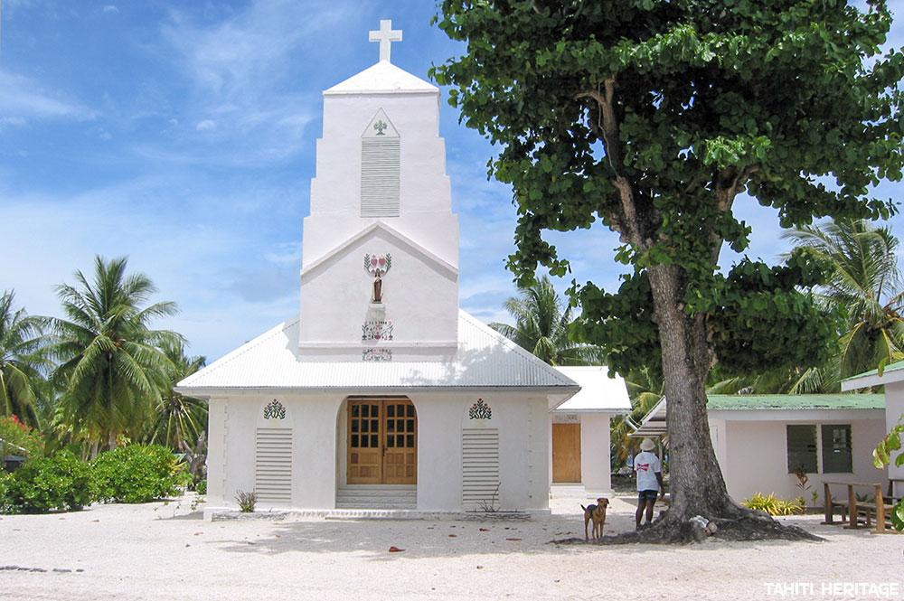 Eglise Sainte Thérèse de l'enfant-Jésus de Raraka © Tahiti Heritage