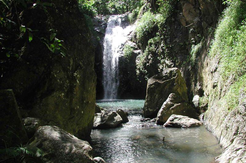 Cascade de Vaiea à Hakahetau, Ua Pou
