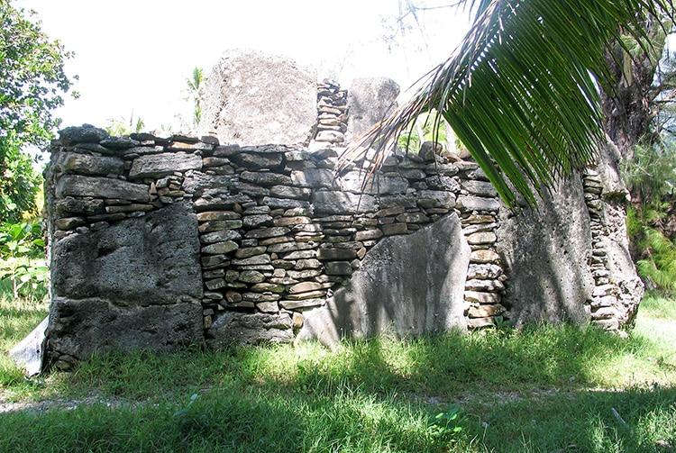 Marae Manunu à Maeva, Huahine