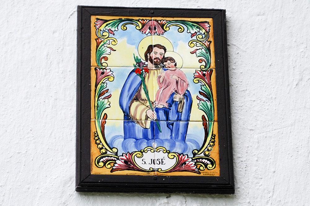 Saint-Joseph sur l'église de Taku, Mangareva. © Tahiti Heritage