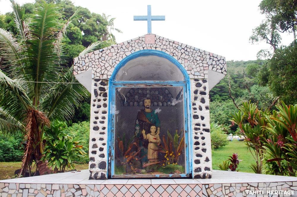 Statue de Saint-Joseph à Taku, Mangareva. © Tahiti Heritage