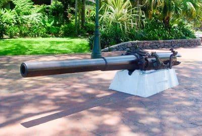 Canon de la canonnière La Zélée. © Tahiti Heritage