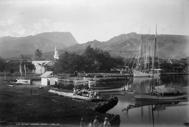 Port de Papeete en 1889. Photo Georges Valentine.