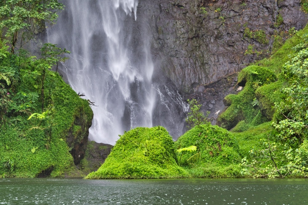 Cascade Puraha, Vallée de la Papenoo.