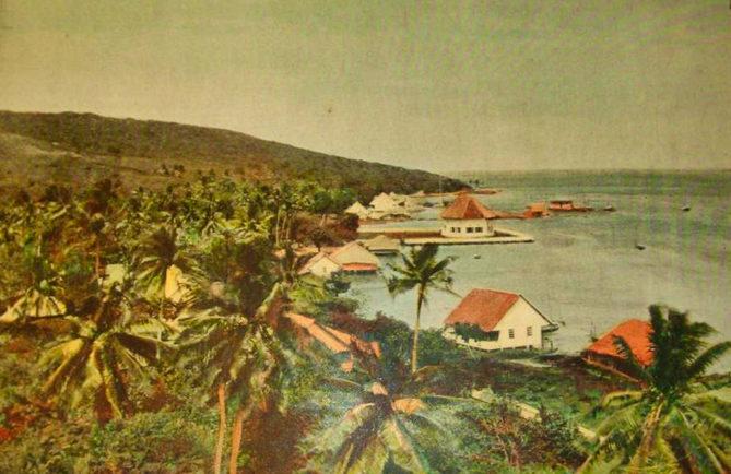 Village de Vaitoare à Tahaa au siècle dernier.