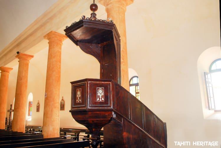 Chaire de la cathédrale Saint-Michel. Mangareva Gambier