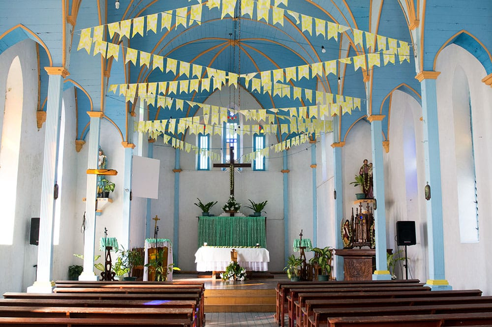 Intérieur de l'église Maria No Te Au de Tiputa - Rangiroa © Tahiti Heritage
