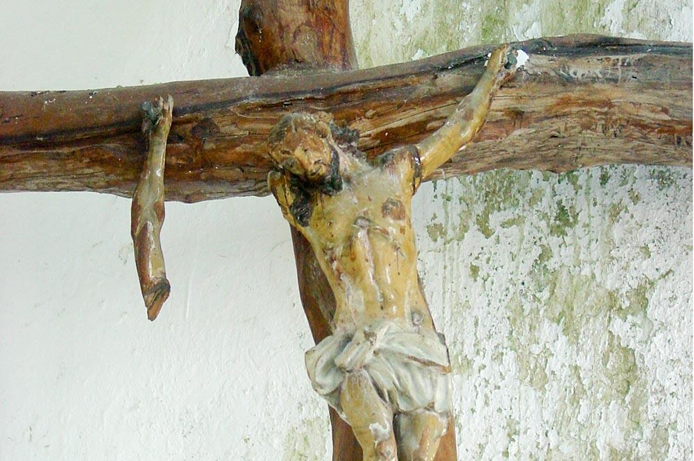 Christ de l'église Maria No Te Mauiui de Putuahara à Anaa, Tamotu