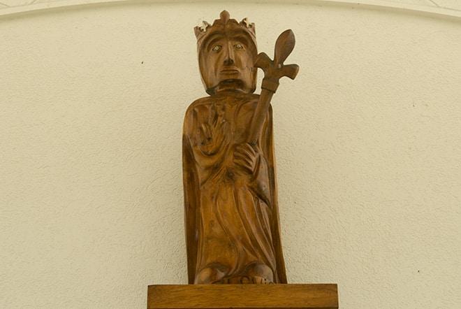 Statue de Saint Louis à la chapelle Saint-Louis de Arue, Tahiti