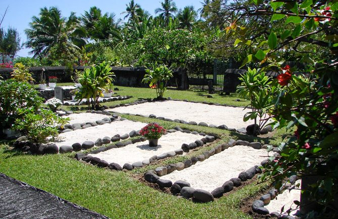 Cimetière royal des Pomare, à Arue, Tahiti © Tahiti Heritage