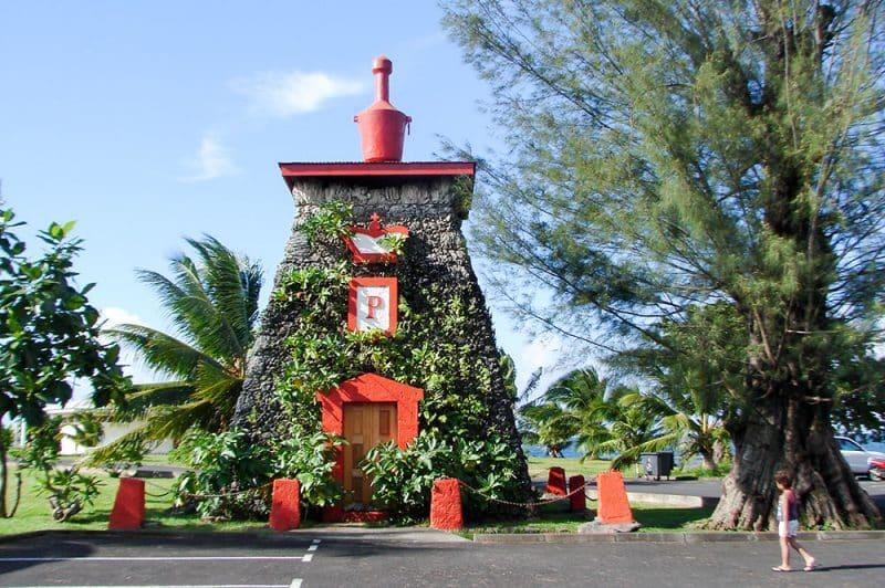 Tombeau du roi Pomare 5 à la pointe Outuai'ai, Arue Tahiti. © Tahiti Heritage