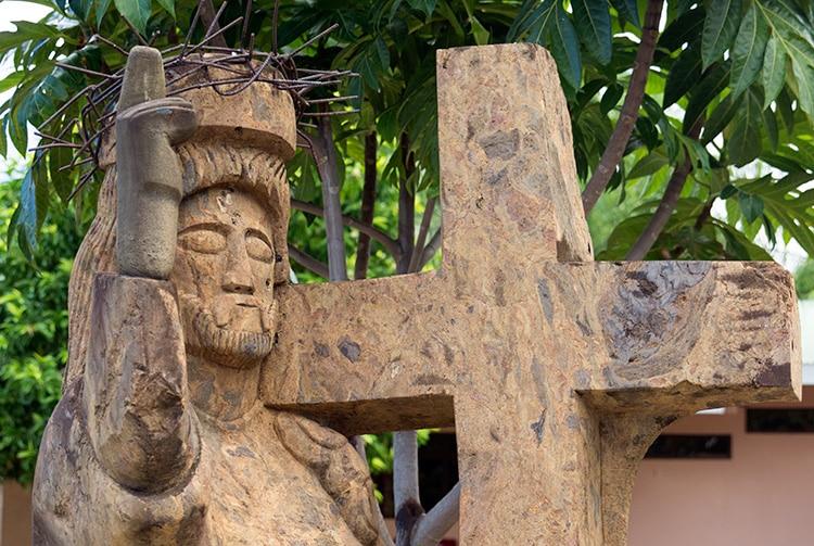 Statue de l'église Christ-Roi de Faa'a, Tahiti. 2015