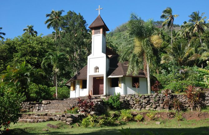 Eglise de Hanaipa, à Hiva Oa. Photo denisepierre