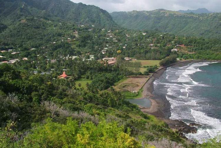 Baie de Atuona, à Hiva Oa en 2009