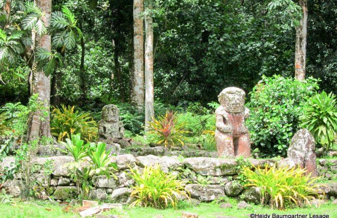 Meae Lipona, Puamau à Hiva Oa. Photo Heidy Baumgartner Lesage