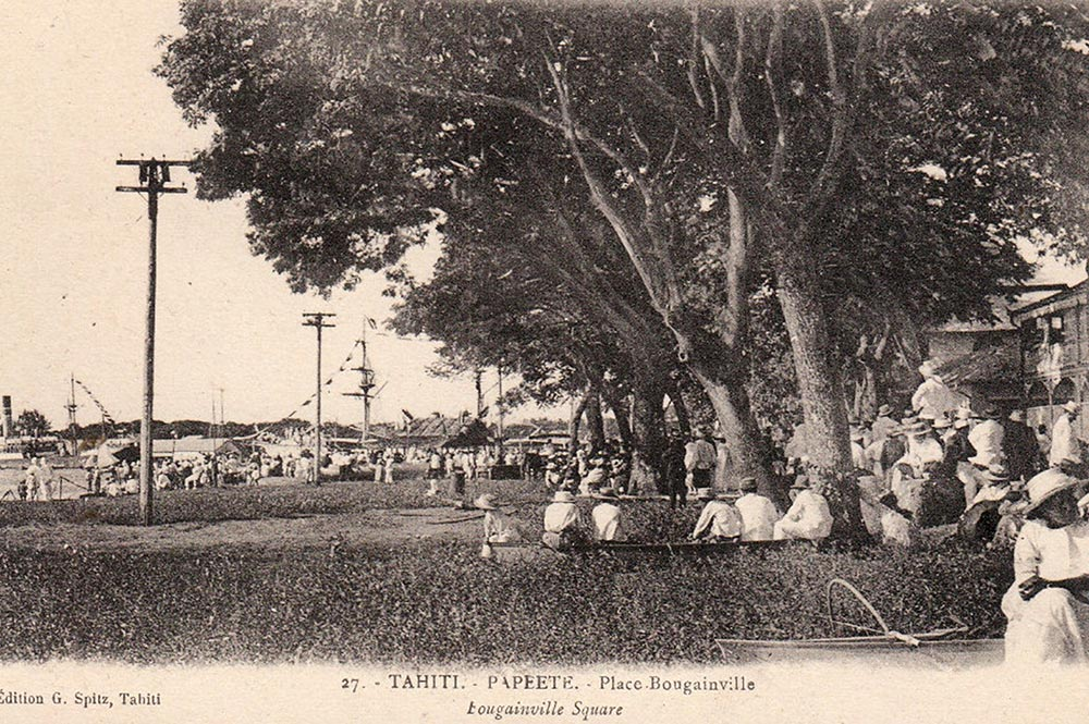 Place Bougainville à Papeete, Tahiti 1880. Photo Georges Spitz