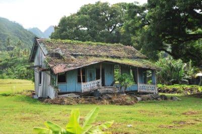 Ancienne maison de Teahupoo. Photo Alain Mailion