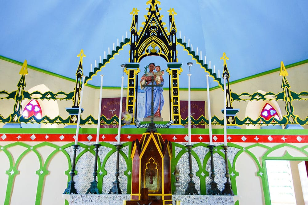 Autel de l'église Maria O Te Hau de Tetamanu