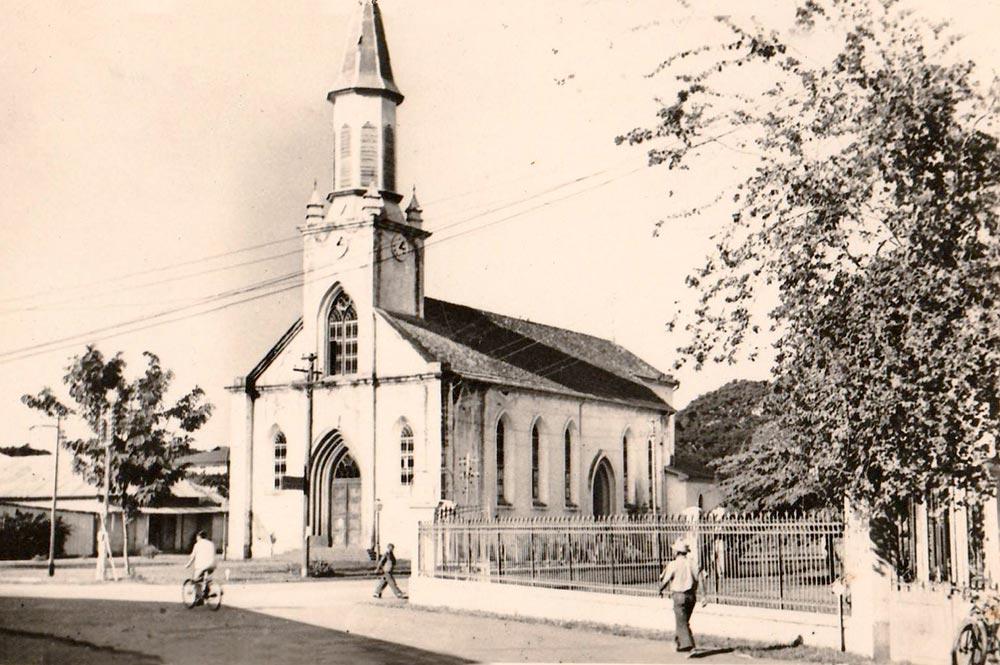 La cathédrale Notre-Dame de Papeete en 1950