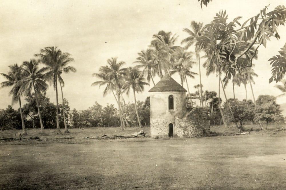 Tour du roi de Rikitea, en 1934. Photo Mangarevan expedition