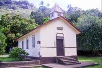 Temple protestant de Vaitahu, île de Tahuata. Photo Anastas